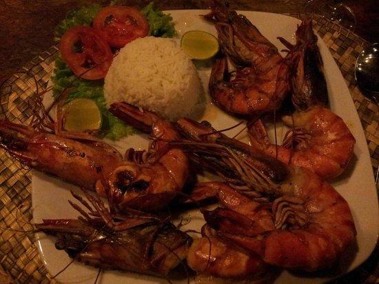 Wunderbar Beach Club Hotel: Jumbo prawns...