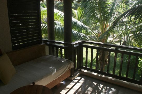Constance Lemuria: Blick vom Balkon