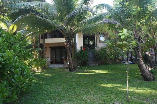 Constance Lemuria: Villa von außen