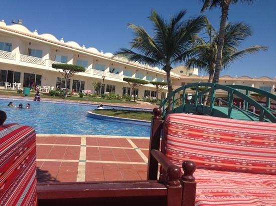 Durrah Beach Resort: the pool