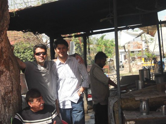 Bade Bhai Ka Brothers Dhaba: the bhattis... of clay and coal based... worth seeing the preps.