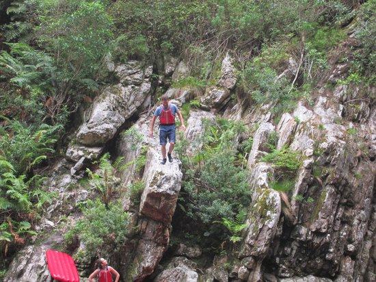 Untouched Adventures: Sprung vom Felsvorsprung