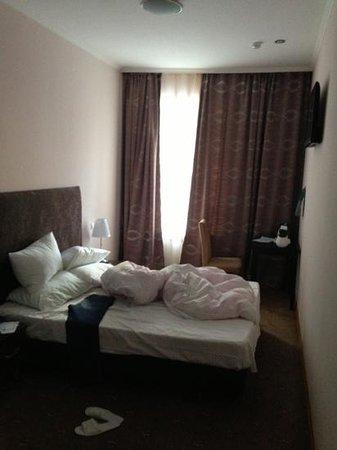 Skver Hotel: room