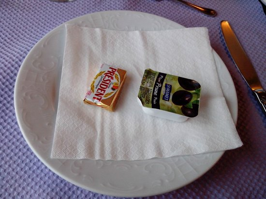 Hotel de la Marine: Contenu de l'assiette de petit déjeuner