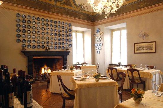 Palazzo Fieschi: Il ristorante con il Camminetto