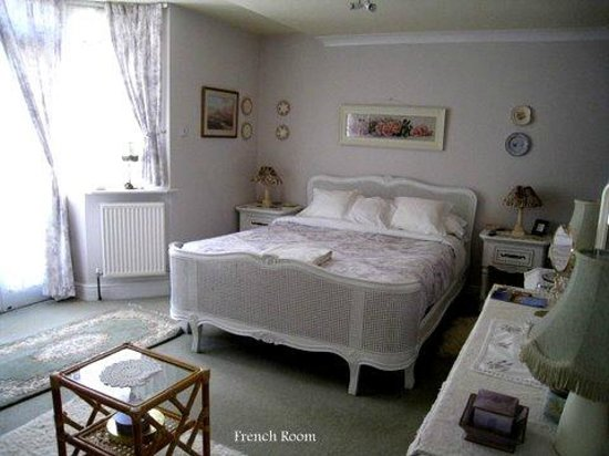 Field View B&B: The French Room