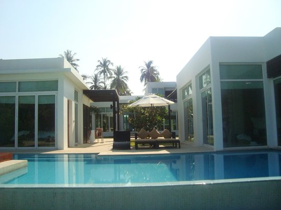 Aleenta Phuket Resort & Spa: Villa air