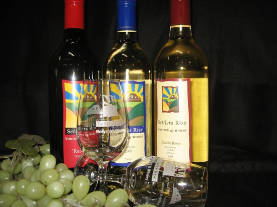 Flaxton Barn: Settlers Rise Wine Available