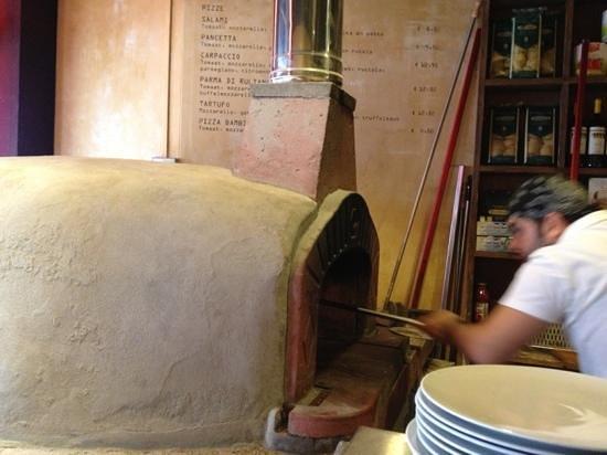 Pastanini: pizza oven