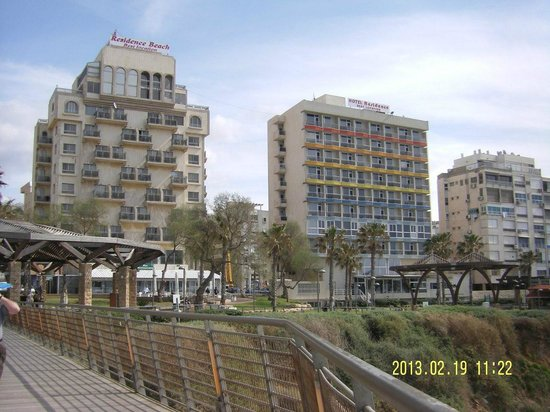 Residence Hotel: Вид со смотровой площадки возле лифта на пляж