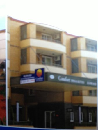 Comfort Inn & Suites Burwood: Front View