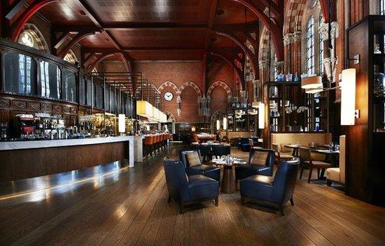 St. Pancras Renaissance Hotel London: Booking Office