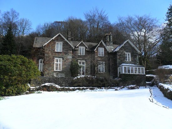How Foot Lodge: Snow in March