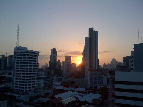 Clarion Victoria Hotel and Suites Panama: AMANECER VISTA