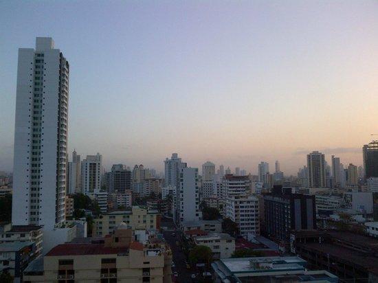 Clarion Victoria Hotel and Suites Panama: VISTA DEL AMANECER EN PANAMA