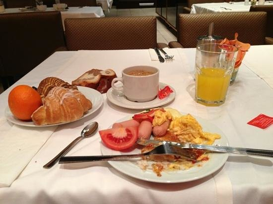 Marmara Hotel Budapest: really good breakfast