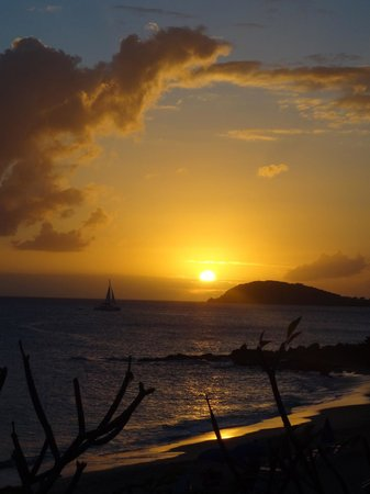 Frenchman's Reef & Morning Star Marriott Beach Resort: Amazing sunsets!