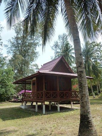 Wattana Resort: Wooden fan bungalow