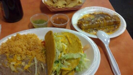 El Carambas: Great meal!