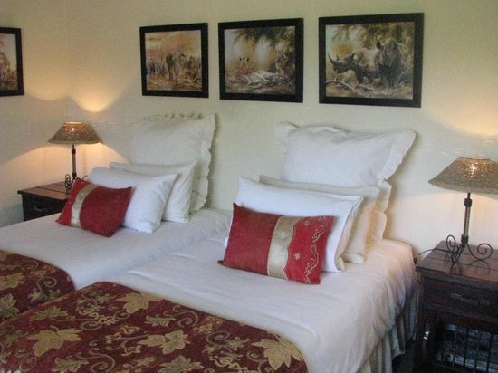 Cherry Berry Guest House: Serengeti Suite