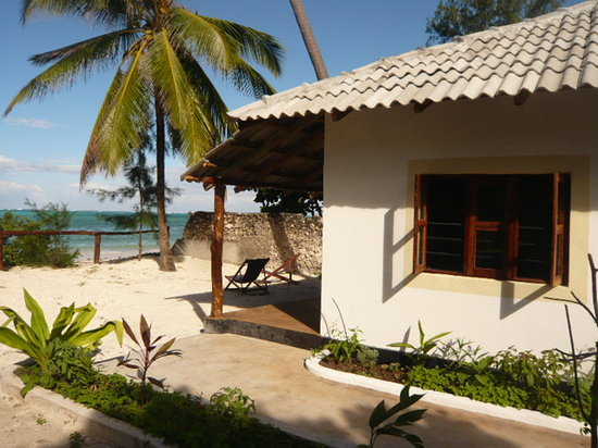 Sun and Seaview Bungalows : bungalows beach front