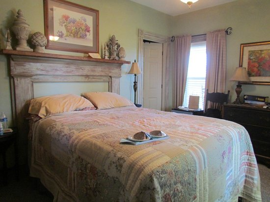 Piney Hill Bed & Breakfast: sweet surprise