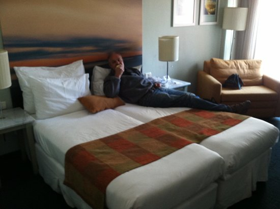 Hotel Prima Tel-Aviv: Double bed