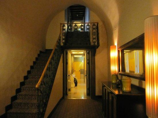 加富爾大酒店照片