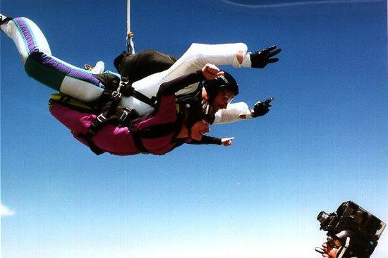 Skydive Twin Cities: Video of a tandem skydive being filmed.