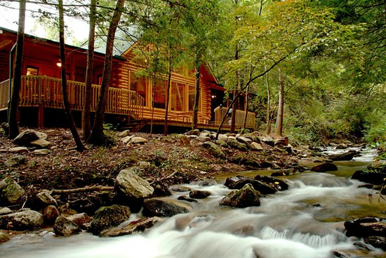 Rumbling Bald Resort on Lake Lure: Resort Lodging options