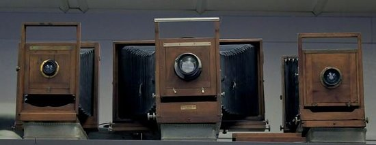 Camera Heritage Museum : A variety of camera spanning the centuries.