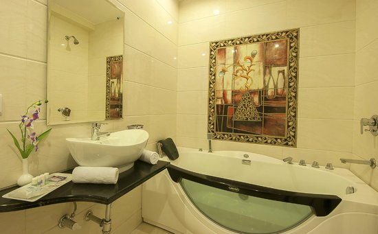 Hotel Intercity: Bathroom
