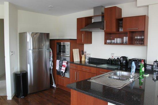 Reubens Court Apartment: 15 Merchant Exchange, Riverside Apartment - Kitchen