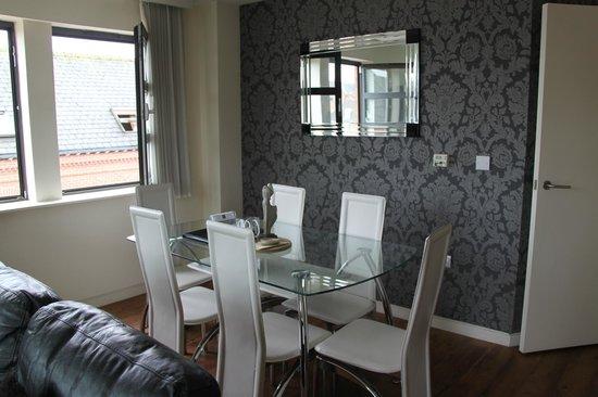 Reubens Court Apartment: 15 Merchant Exchange, Riverside Apartment - Dining Area