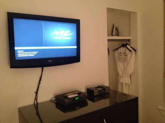 The MAve Hotel: Room 307 Closet