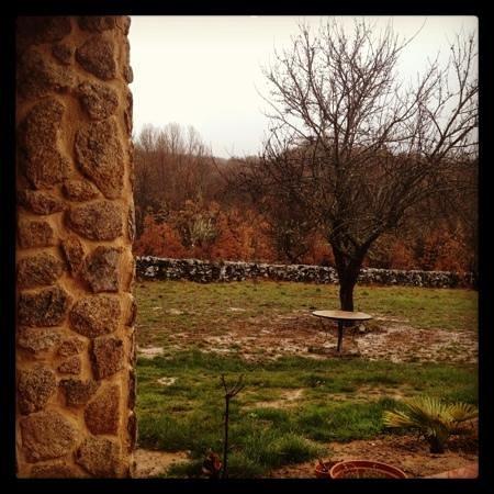 Centro de Turismo Rural Aguallevada: vista desde el porche de Aguallevada