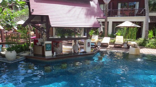 Chaweng Regent Beach Resort: Bar