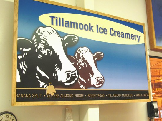 Tillamook Cheese Factory: SIgn over the upstairs ice cream counter.