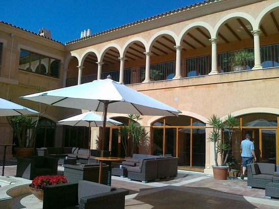 Be Live Collection Son Antem : Relax gardeb of the hotel