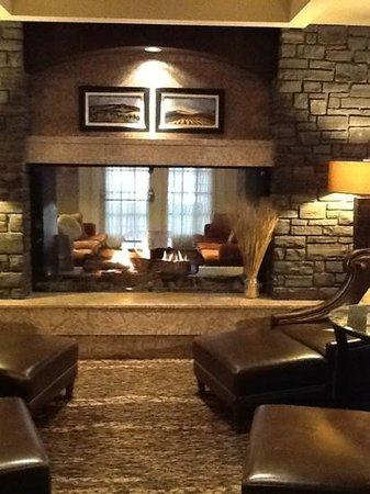 Fireplace In Gold Floor Lounge Picture Of Fairmont Banff Springs