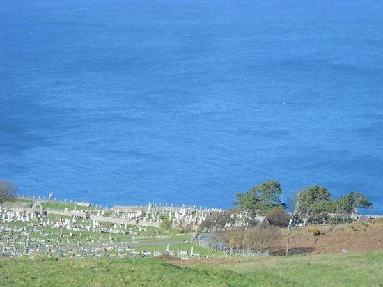 Llandudno, UK: Another great view of the Cemetery and the Sea.
