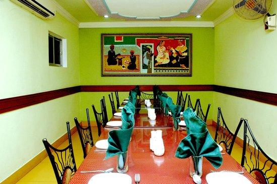 Hotel Barjorjis Banjara: 'Biathak' Board room