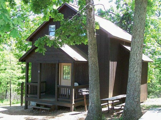 Blue Springs Ranch Campground & Canoe Rental: Cabin