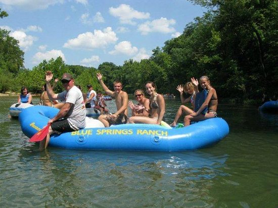 Blue Springs Ranch Campground & Canoe Rental: Floating