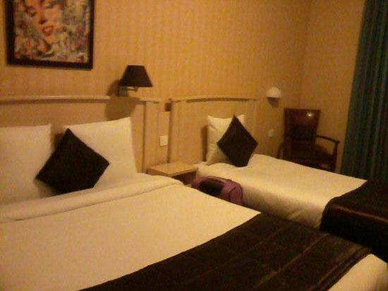 Hotel Corona Rodier: Camera tripla