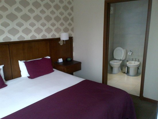 Howard Johnson Inn Palermo : room