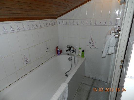 Hotel Le Concorde: salle de bains