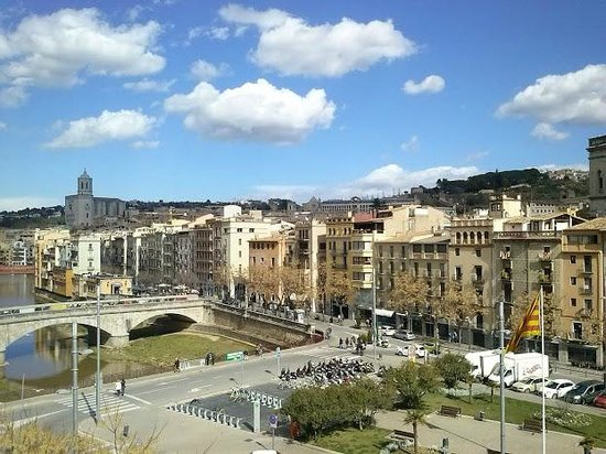 Equity Point Girona Hostel: Vista dalla terrazza