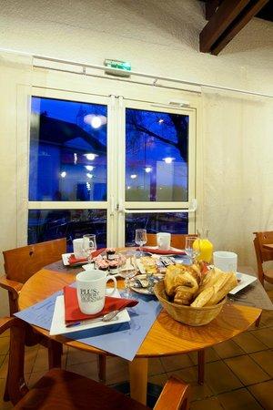 Kyriad Paris Ouest - Villeneuve La Garenne : Petit-déjeuner