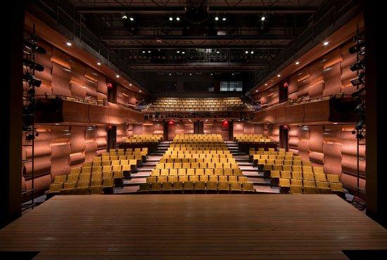 Philadelphia Theatre Company - Suzanne Roberts Theatre